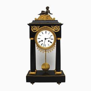 Vergoldete Bronze und Marmor Uhr, 18. Jh
