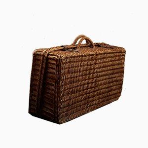 Französischer Picknickkorb aus Korbgeflecht mit Keramikplatten & Tassen von Terre de Feu de Choisy-le-Roi, 1920er
