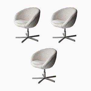 Runder Italienischer Mid-Century Stuhl mit Weißem Kunstfell, Frankreich, 1970er
