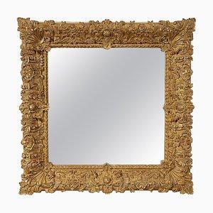 Goldfarbener quadratischer Spiegel aus geschnitztem Holz, Spanien, 1970er