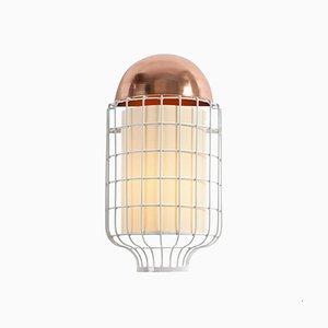 Lampada da parete Magnolia con ripiano in ottone o rame di Utu Soulful Lighting