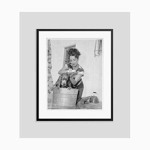 Imprimé Pigmentaire Jeune Elizabeth Taylor Encadré en Noir par Bettmann