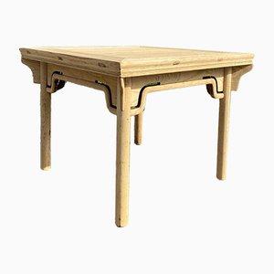 Viereckiger Tisch