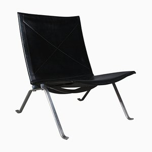 PK22 Lounge Chair by Poul Kjærholm