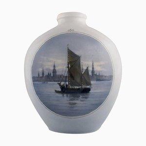 Große Vase aus handbemaltem Porzellan von Royal Copenhagen, 1920er