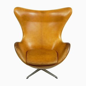 Egg chair nr. 3317 in pelle color cognac di Arne Jacobsen per Fritz Hansen