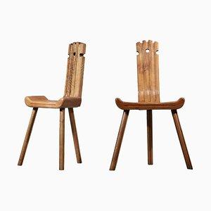 Französische Dreifuß Stühle aus Eiche von Charlotte Perriand, 2er Set