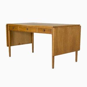 Schreibtisch aus Eiche von Hans J. Wegner