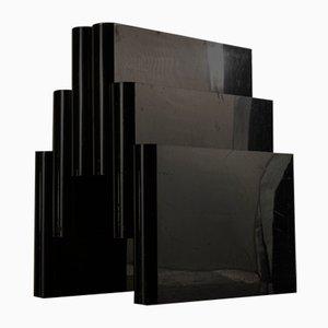 Schwarzer Zeitschriftenständer in Form eines Duomo Milan Kartel