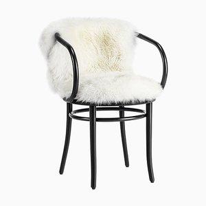Schwarzer Wiener Stuhl mit Weißem Fell von Thonet