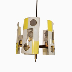 Mid-Century Deckenlampe aus Glas in Gelb & Weiß mit geschwungener Deckenlampe aus Messing