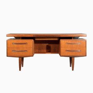 Dänischer Teak Schreibtisch von Ib Kofod Larsen für G-Plan, 1960er