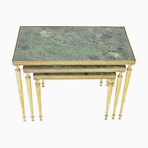 Tavolini a incastro Mid-Century in marmo e ottone, anni '60, set di 3