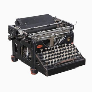 Macchina da scrivere di Olivetti Ivrea