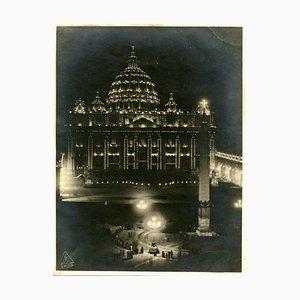Luciano Morpurgo, Elektrische Lampen im Petersdom, 1925
