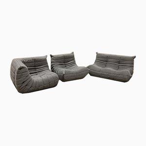 Poltrone Togo in tessuto grigio e divano a due posti di Michel Ducaroy per Ligne Roset, 1979, set di 3