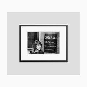 Francoise Hardy im Café Flore Archival Pigmentdruck in Schwarz von Giancarlo Botti