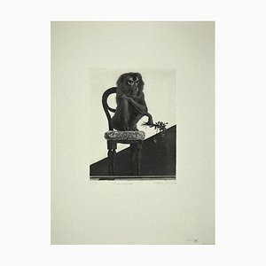 Statua di Leo Guida - Monkey on the Chair - Incisione originale su carta - 1972