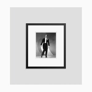 Fred Astaire de Roberta Archival Pigment Print enmarcado en negro de Everett Collection