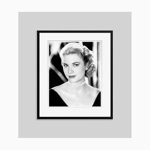 Imprimé d'Archive Pigmentaire Classique Grace Encadré Noir par Everett Collection