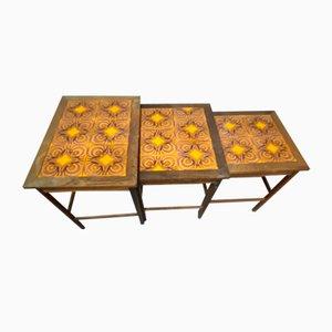 Mesas nido danesas con incrustación de azulejos, años 60. Juego de 3
