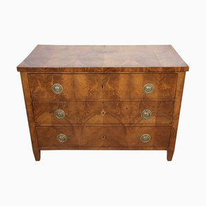 Walnut Chest of Drawers, 1700s
