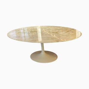 Tavolo ovale Tulip di Eero Saarinen per Knoll International
