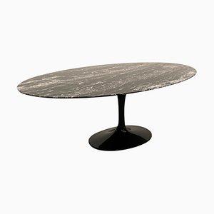 Tavolo ovale Tulip nero di Eero Saarinen per Knoll International