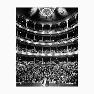 Theater (1960) Druck aus Silbergelatine Faser - Übergroß, Später Druckbar