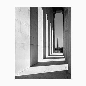 The Washington Monument (1960) Impresión de plata de fibra de gelatina sobredimensionada, impresa después