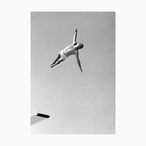 Swan Dive (1956) Kunstdruck aus Silbergelatine, übergroß, Später bedruckt
