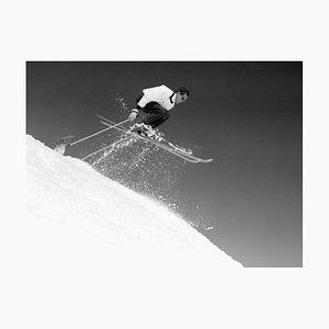 Skisprung, Druck aus Silbergelatine Faser - Übergroßer 1956 Druck Später
