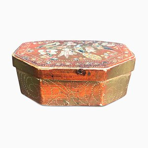 Octagonal Box and Lacquered with Golden Flowers and Birds