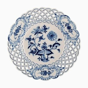 Antique Blue Onion Cake Plateau in Hand-Painted Porcelain from Meissen