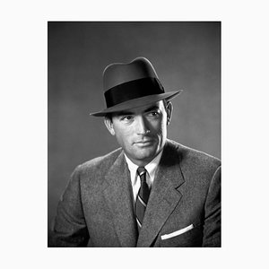 Stampa Gregory Peck In the Man In A Flanella grigia con cornice bianca di Everett Collection