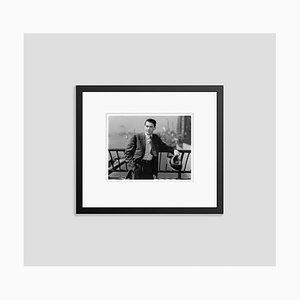 Impresión Archival Pigment enmarcada en negro de Gregory Peck In para caballero de Everett Collection