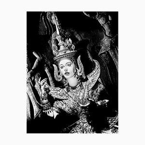 Stampa a incastro Hedy Lamarr Bali incorniciata nel nero di Everett Collection