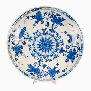 Piatto da caricatore Kangxi antico in porcellana blu e bianca, Cina, inizio XX secolo