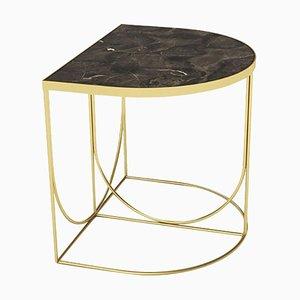Mesa auxiliar minimalista de mármol marrón y acero dorado