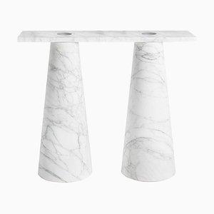 Consola de interior de mármol de Karen Chekerdjian