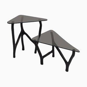 Mesas auxiliares en negro de Robin Berrewaerts. Juego de 2