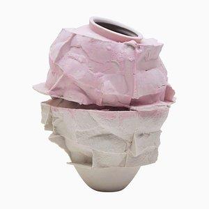 Vaso in porcellana scolpito a mano di Monika Patuszyńska