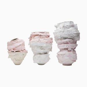 Jarrones de porcelana esculpida a mano de Monika Patuszyńska. Juego de 3