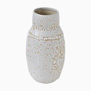 Weiße Steingut Vase von Moïo Studio