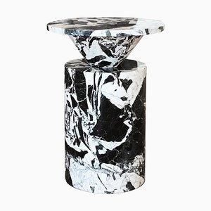 Tavolino da caffè Nero Totem edizione limitata di Karen Chekerdjian