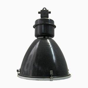 Große industrielle Mid-Century Hängelampe aus schwarzer Emaille & Klarglas