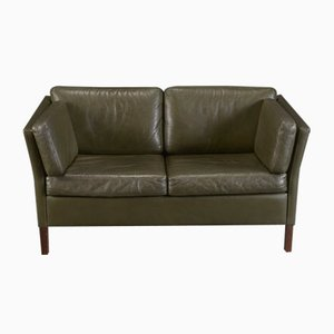 Dänisches 2-Sitzer Sofa aus grünem Leder, 1970er