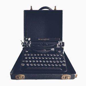 Macchina da scrivere modello Qwerty con custodia originale di Remington, anni '30