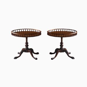 Mid-Century George III Style Mahogany Side Tables with Oval Tray Tops, Mid 20th Century, Set of 2