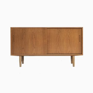 Mid-Century Danish Sideboard in Oak from Hundevad & Co, 1960s
